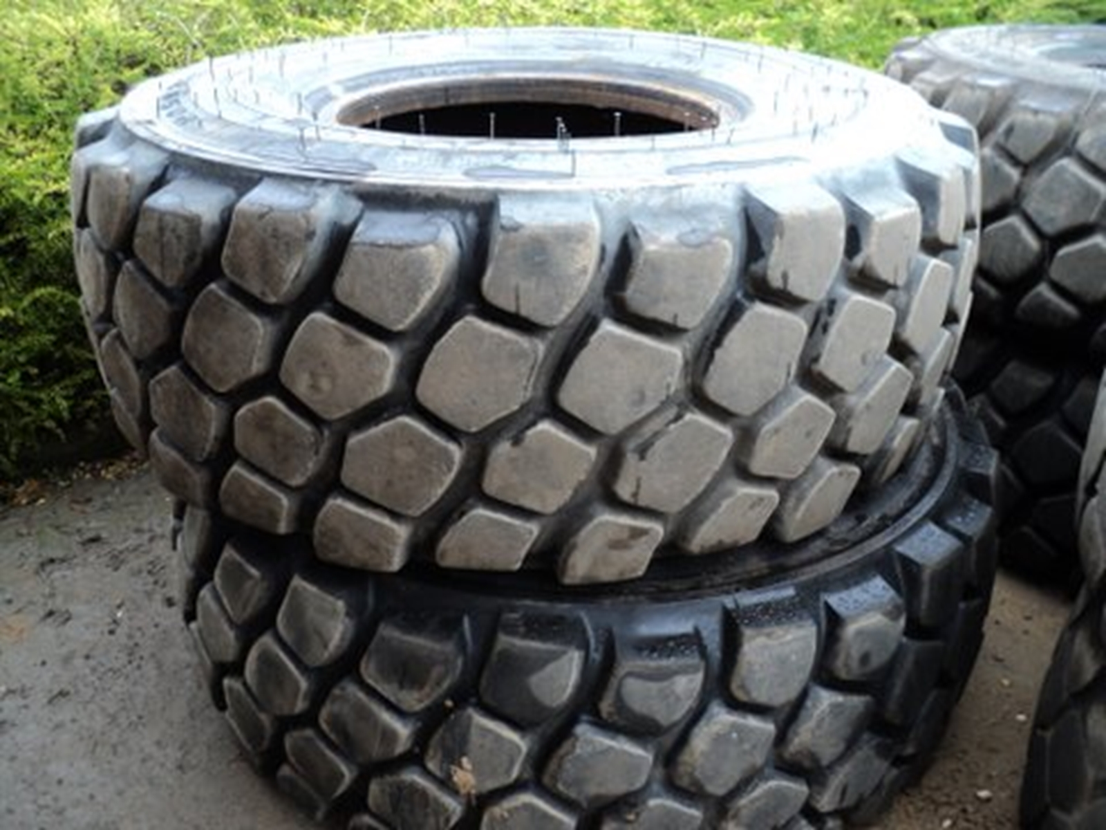 Good Used 20.5 R25 Tyres Austrian 95% SOLD
