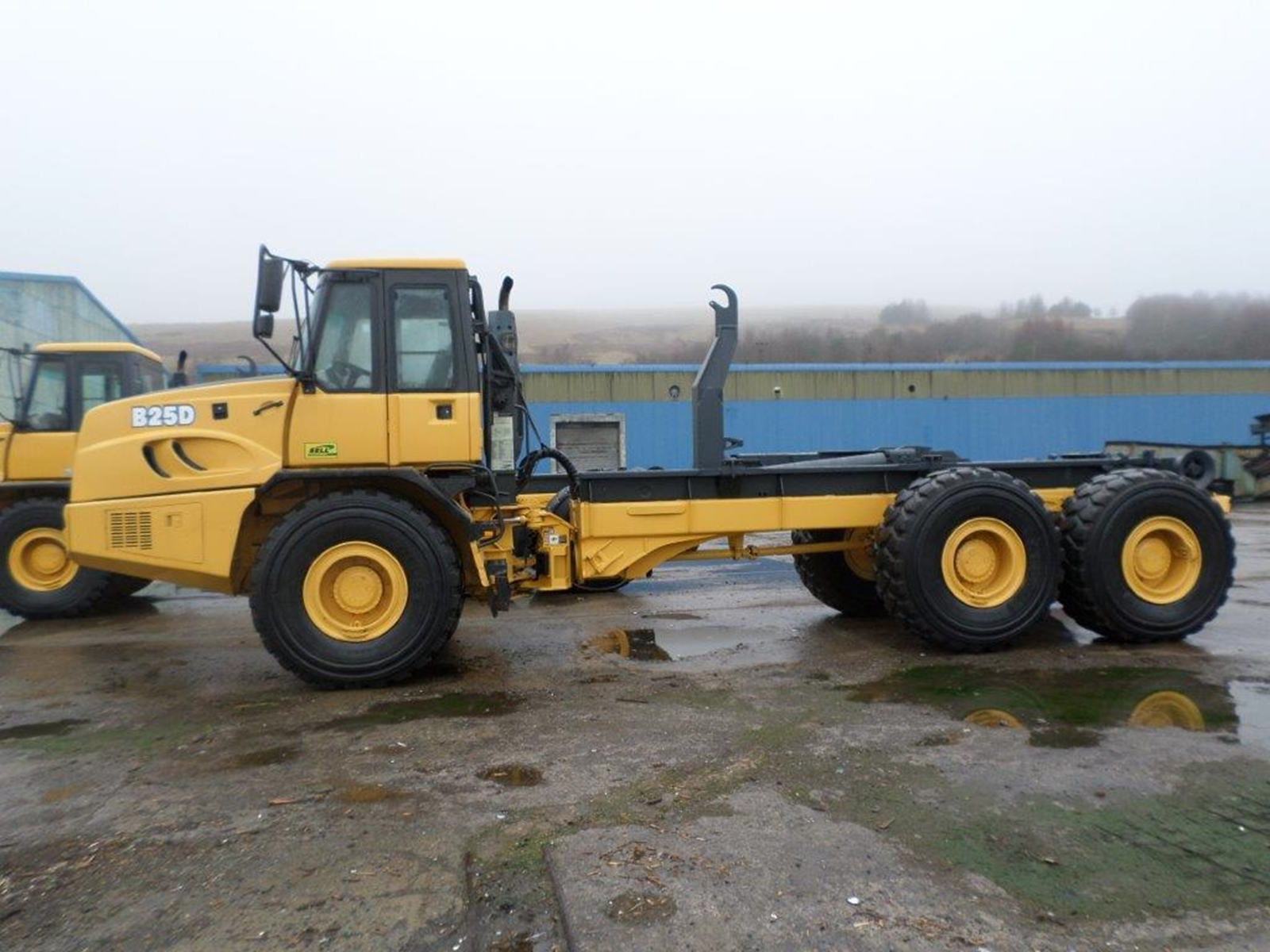 Bell B25D Hooklift x2 - 2005 - SOLD